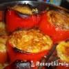 Baconba tekert töltött paprika és paradicsom krumplival