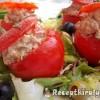 Libamájjal tojással töltött paradicsom mediterrán salátával hidegen