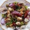 Mediterrán saláta bruschetta-val