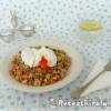 Zöldséges bulgur buggyantott tojással