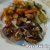 Csirkemáj fűszeres zöldségekkel
