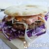 Sertés burger pitában