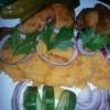 Fűszeres sült csirkecomb hagymás tört burgonyával