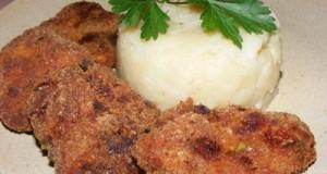Zöldfűszeres fasírt hagymás krumplival