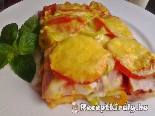 Baconös sonkás pizza tepsiben sütve 2