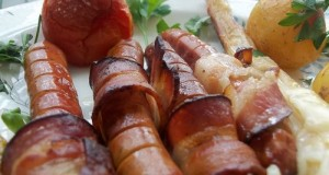 Baconos virsli sajtos spárga petrezselymes újkrumplival