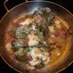 Brokkoli csülöksonkával tejföllel kecskesajttal 1