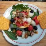 Dinnyesaláta tonhallal kagylóval ringlivel és vodkával 2