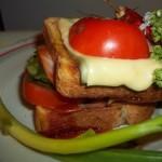 Dupla Bruschetta sonkával sajttal
