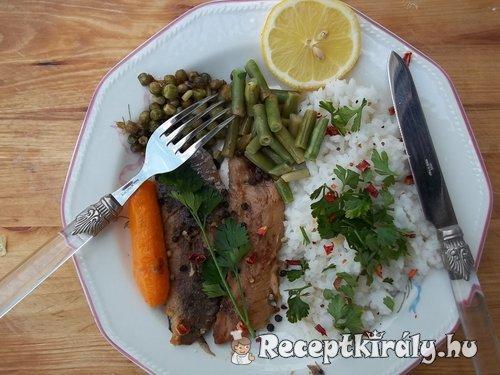 Fehérboros heringfilé zöldségekkel petrezselymes chilis rizzsel 2