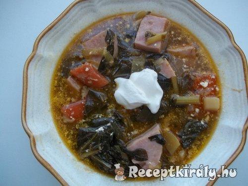 Fehérboros tejszínes karalábélevél leves sonkával 2