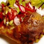 Húsvéti töltött csirkecomb friss salátával 2