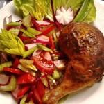 Húsvéti töltött csirkecomb friss salátával 3