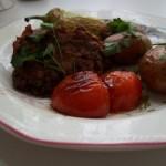 Kolbászos tökfasírt sült zöldségekkel 1