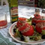 Libamájjal tojással töltött paradicsom mediterrán salátával hidegen 2