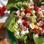 Mediterrán saláta juhtúróval mozzarellával pizzasonkával tojással 2