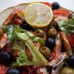Mediterrán saláta paradicsomszószos szardíniával 1