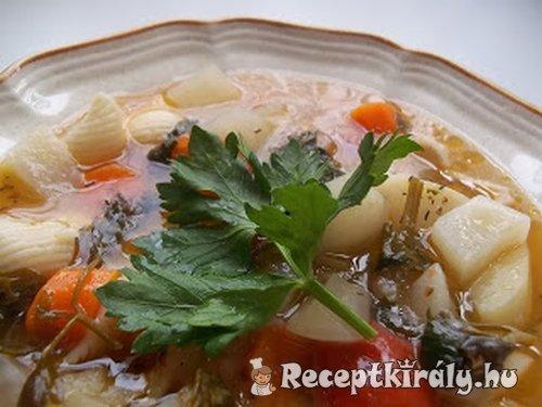 Sörretek leves tésztával tejfölösen
