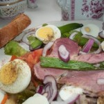 Sült tarja és főtt tojás salátaágyon 1