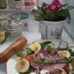 Sült tarja és főtt tojás salátaágyon 2