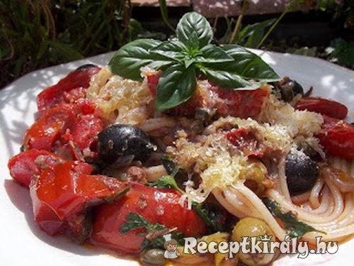 Spaghetti Puttanesca con vino rosso
