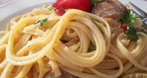 Szicíliai két gombás spagetti fehérborral