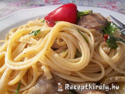Szicíliai két gombás spaghetti fehérborral