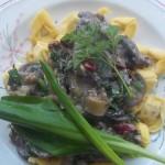 Tejszínes gombás medvehagymás kapribogyós sajtos tortellini 1