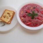 Vörösboros mazsolás görögdinnye leves füstölt sajtos pirított mogyorós toasttal 1
