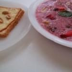 Vörösboros mazsolás görögdinnye leves füstölt sajtos pirított mogyorós toasttal 2