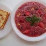 Vörösboros mazsolás görögdinnye leves füstölt sajtos pirított mogyorós toasttal 3