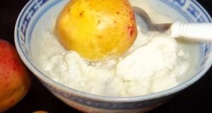 Vanília fagylalt sárgabarackkal és vodkával