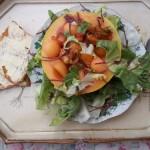 Vodkás sárgadinnye katalánszószos kagylóval bolero salátával 2