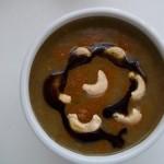 Currys cukkini krémleves kesudióval és triplesec-vel