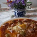 Húsvéti tortellini sonkás paradicsomos szószban tojással