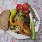 Sajtos omlett baconnel paradicsommal paprikával újhagymával 1