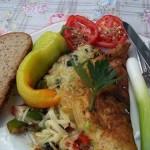 Sajtos omlett baconnel paradicsommal paprikával újhagymával 2
