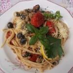 Spagetti tintahallal mángolddal és paradicsommal 1