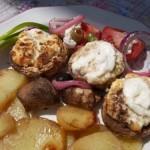 Túrós tejfölös gombafejek krumpliágyon