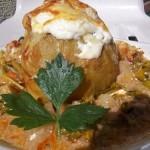 Zöldséges darálthúsos fehérboros tejfölös sajtos töltött karalábé 2