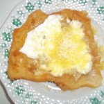 Fokhagymás tejfölös sajtos lángos