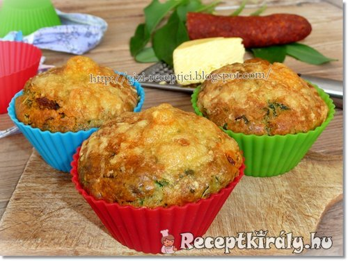 Medvehagymás kolbászos muffin