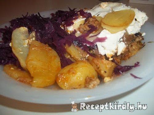 Tepsis rakott krumpli lilakáposztával