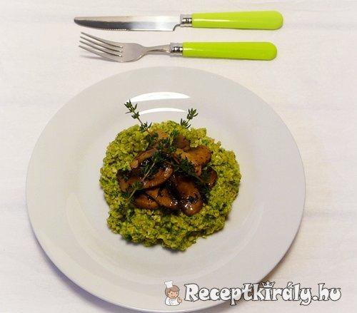Zöldfűszeres zabkása kakukkfüves gombával