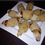 Mézeskalács croissant szilvalekvárral