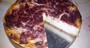 Klasszikus sajttorta meggylekvárral