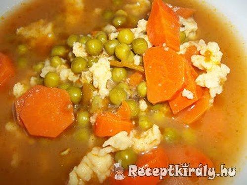 Zöldborsó leves csipetkével