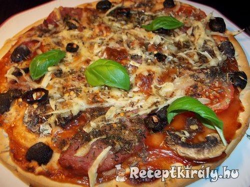 Gombás sonkás pizza