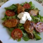 Pikáns csirkeszárnyak vitamin salátával 3