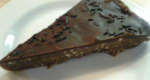 Csokis keksztorta
